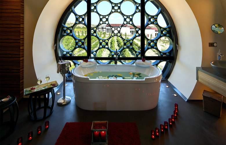 Domus Selecta Cava & Hotel Mastinell - Spa - 41