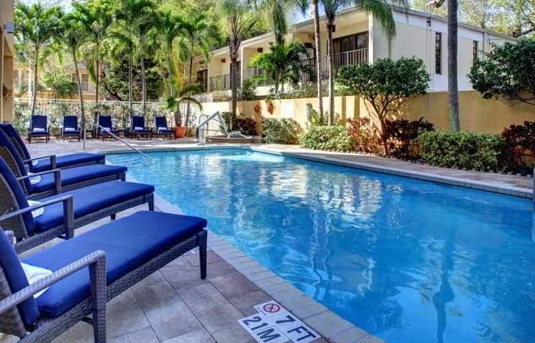 Hampton Inn Miami-Coconut Grove/Coral Gables - Pool - 0