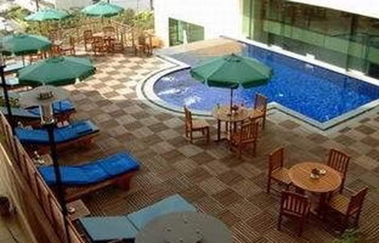 Princeton Bangkok - Pool - 4