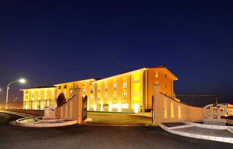 Grand Hotel Paradiso - Hotel - 0
