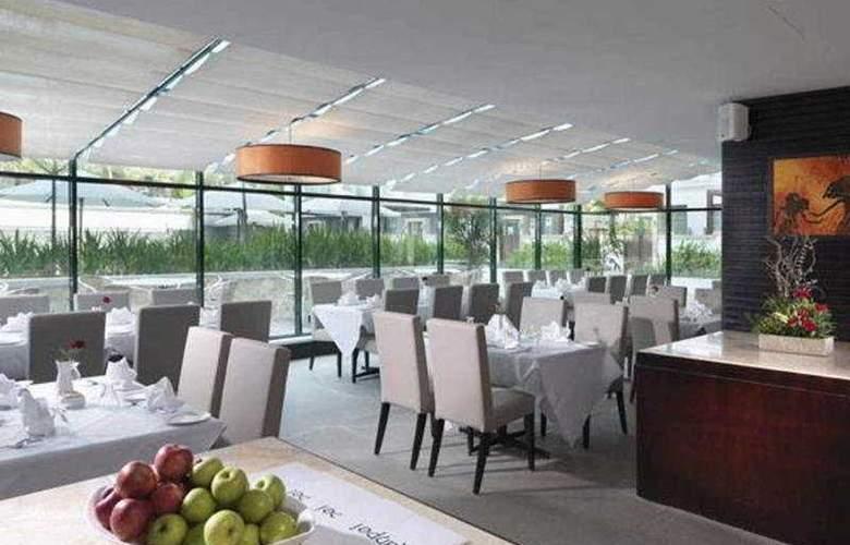 MiCasa All Suites Hotel Kuala Lumpur - Restaurant - 3