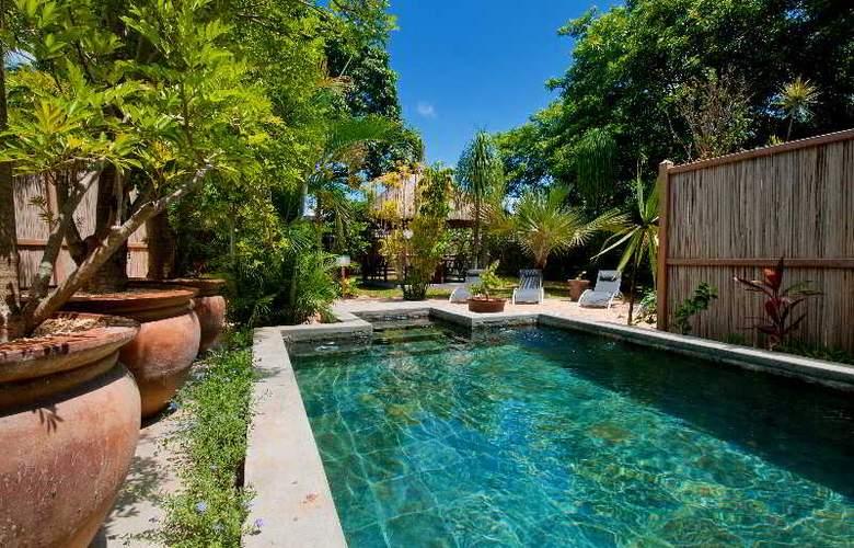 Gardens Retreat - Pool - 3