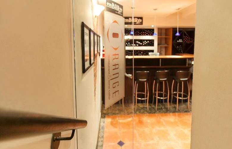 Court Classique Suite Hotel - Restaurant - 6