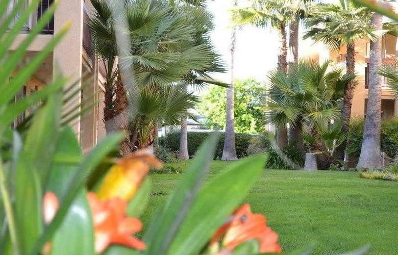 Best Western Palm Court Inn  - Hotel - 7