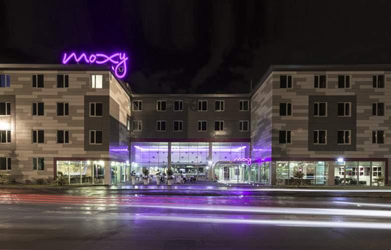 Moxy Milan Malpensa Airport - Hotel - 0