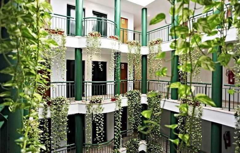 Apartamentos Vértice Bib Rambla - Hotel - 3