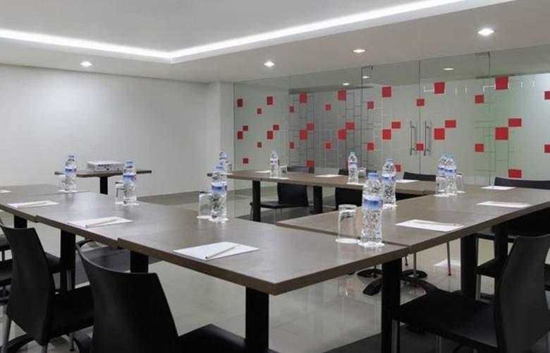 Amaris Thamrin City Hotel - Conference - 3