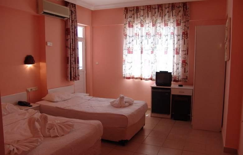 CLUB BAYAR BEACH HOTEL - Room - 1