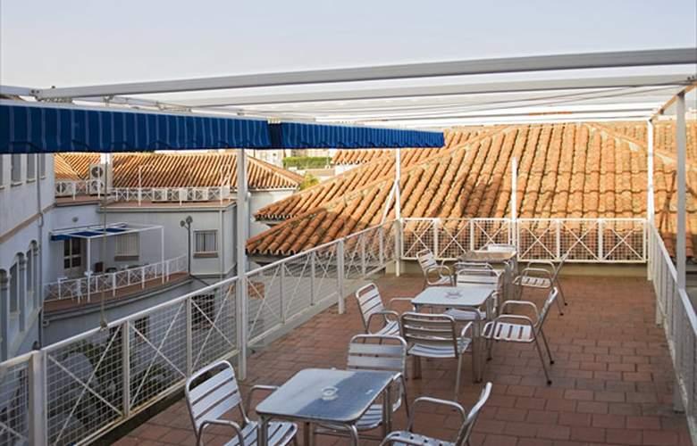 Albergue Inturjoven Malaga - Terrace - 4