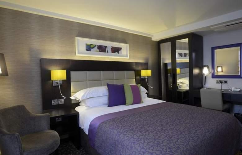 Lensbury Resort - Room - 3