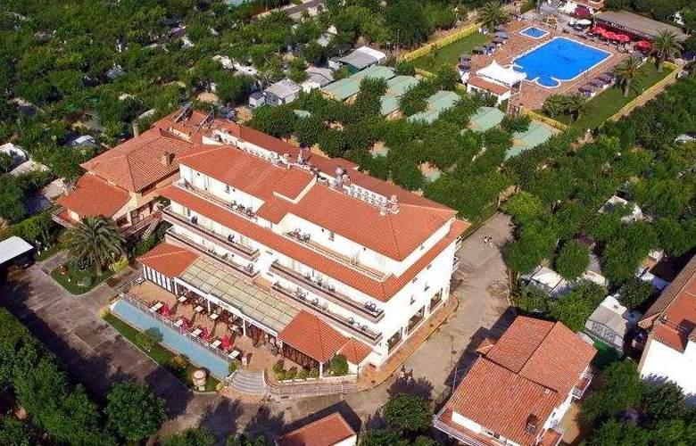 La Masia Camping - Hotel - 0
