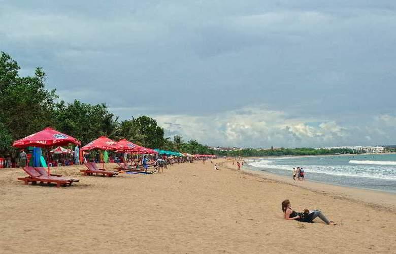 Wina Holiday Villa - Beach - 16