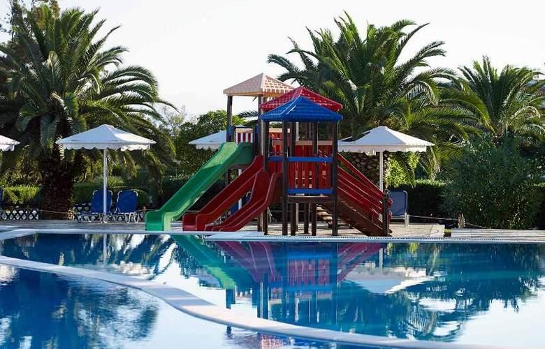 Mitsis Roda Beach Resort & Spa - Pool - 18