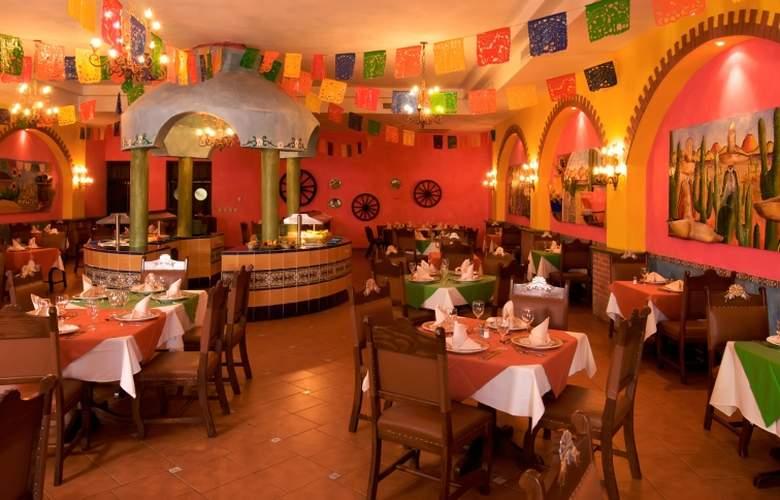 Ocean Blue & Sand - Restaurant - 18