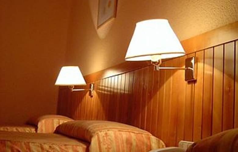 Laris - Room - 6