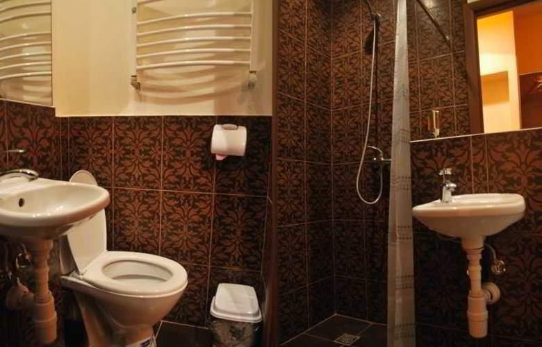 Hotel Tsisar Bankir - Room - 3