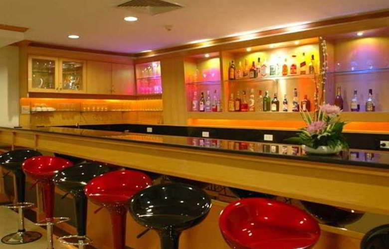 Suriwongse Tower Inn - Bar - 11