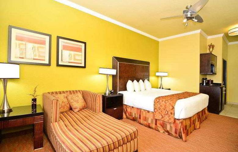 Best Western Plus Christopher Inn & Suites - Hotel - 34