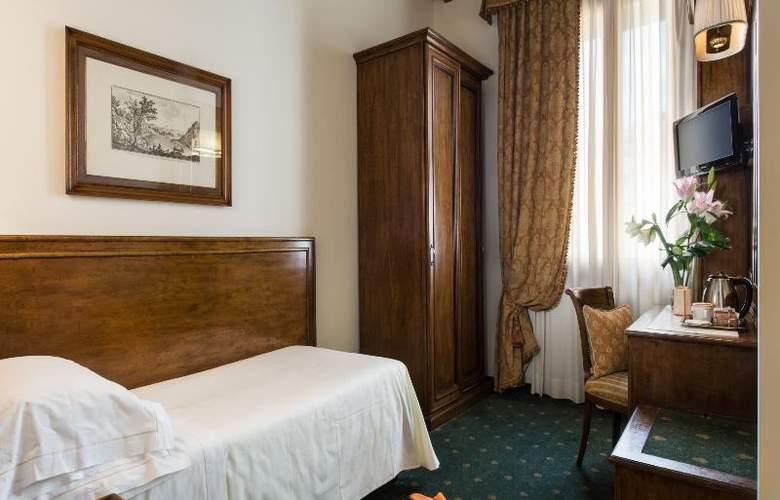 Adler Cavalieri - Room - 18