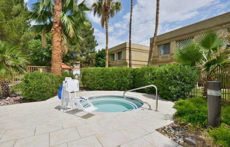 Best Western Tucson Int'l Airport Hotel & Suites - Hotel - 2