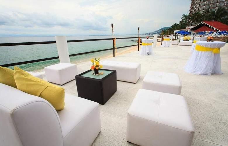 Grand Park Royal Luxury Resort Puerto Vallarta - Bar - 21