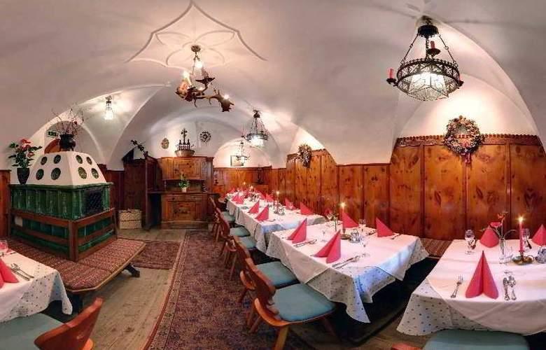 Gasthof Unterm Rain - Restaurant - 3