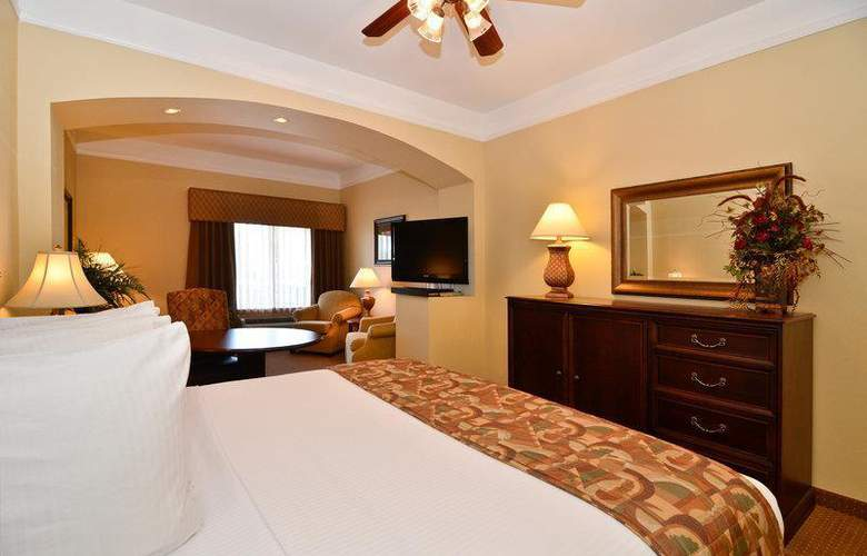 Best Western Plus Monica Royale Inn & Suites - Room - 115