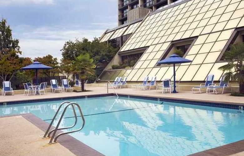 Hilton Bellevue - Hotel - 2