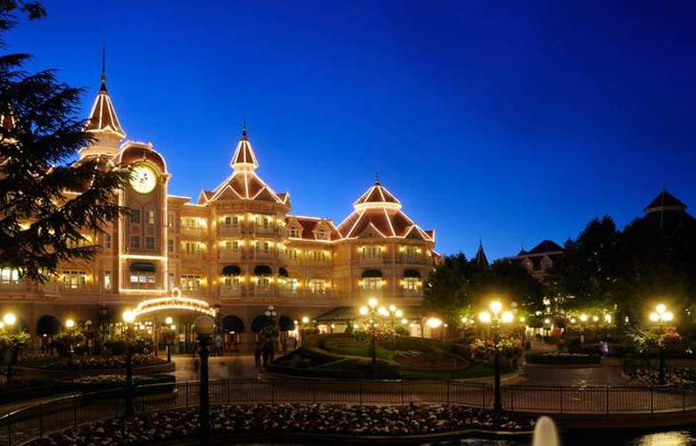 Disneyland Hotel - Hotel - 9
