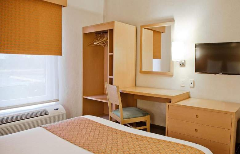 City Express Celaya - Room - 13