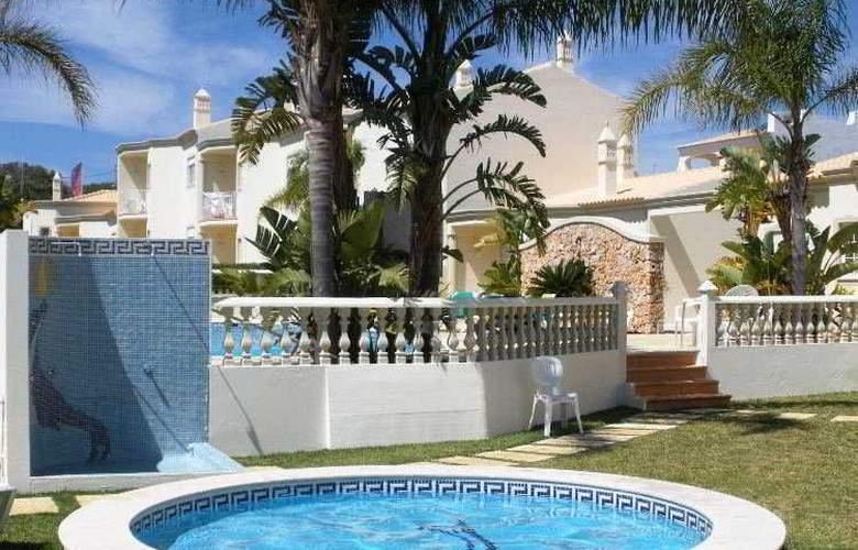 Vila Do Castelo - Pool - 9