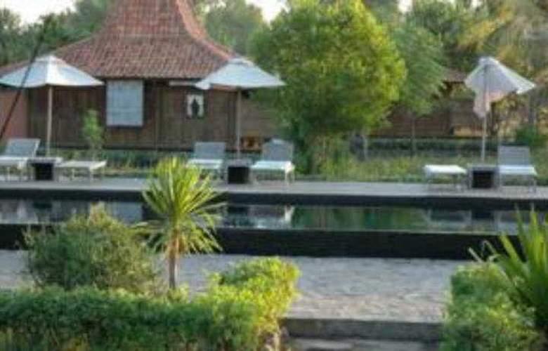 Desa Dunia Beda - Pool - 4