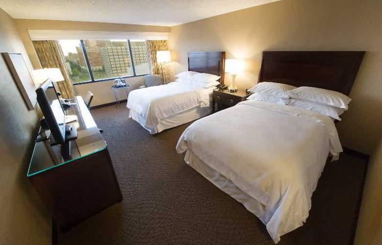 Crowne Plaza Memphis - Room - 26