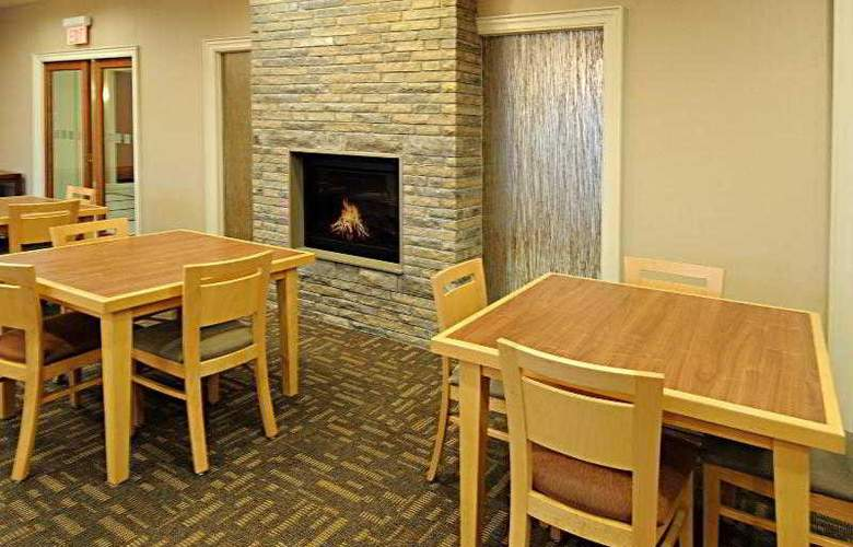 Holiday Inn Express & Suites Vaughan - Hotel - 23