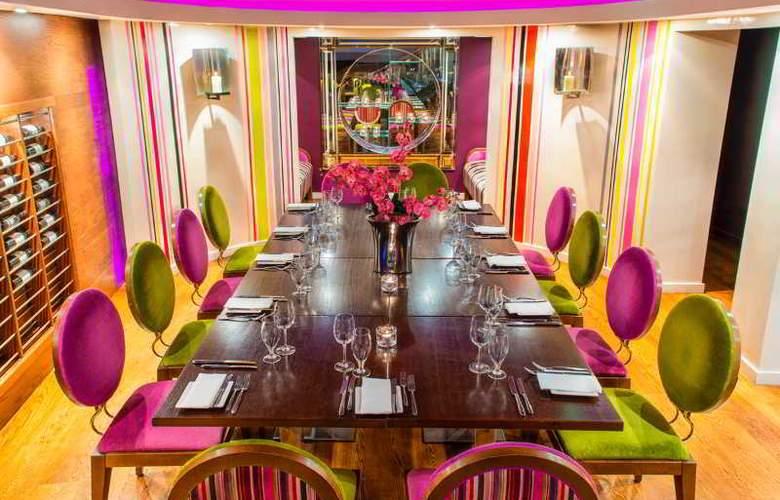 The Ross - Restaurant - 18