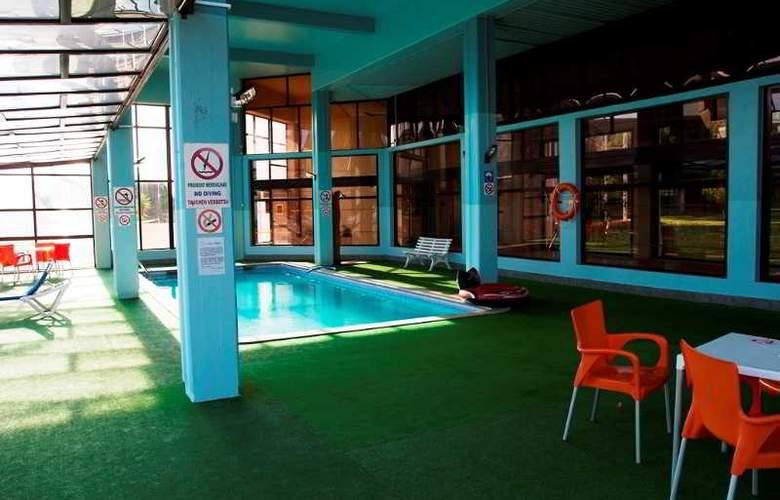 Auramar Beach Resort - Pool - 21
