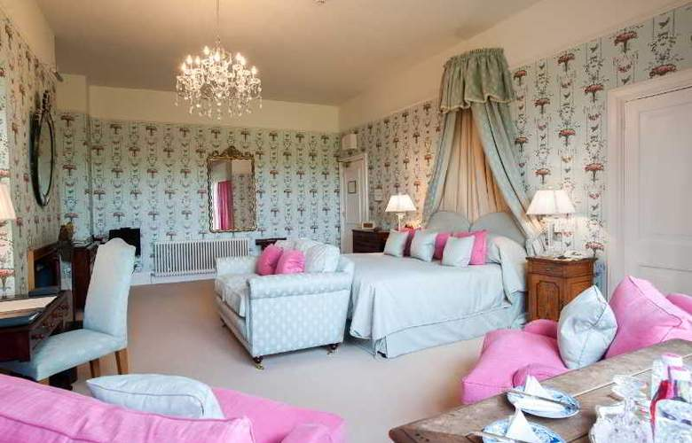 Llangoed Hall Hotel - Room - 8