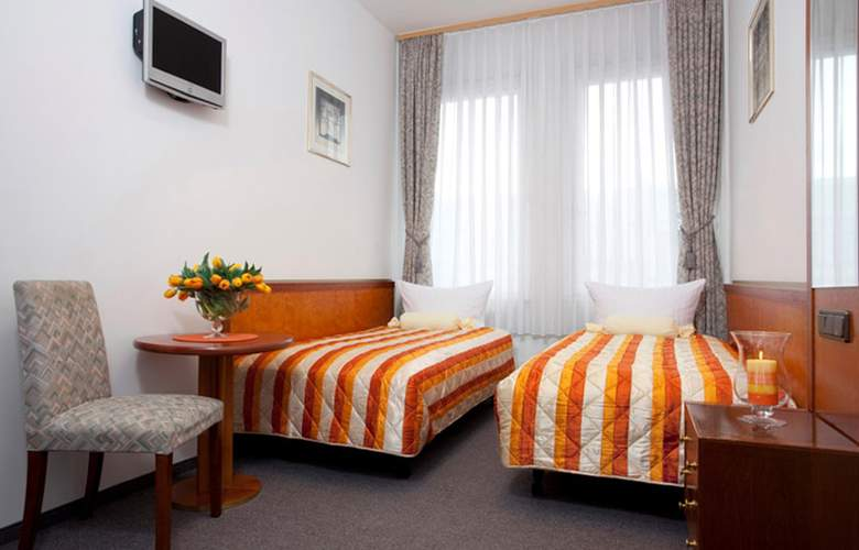 Potsdamer Inn - Room - 5