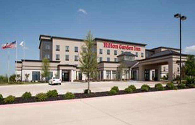 Hilton Garden Inn Fort Worth Alliance Airport - Hotel - 1