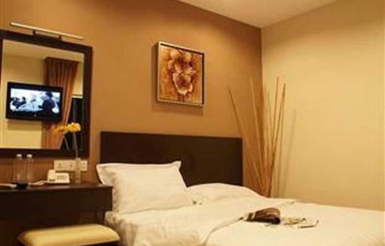 Izumi Hotel - Room - 16