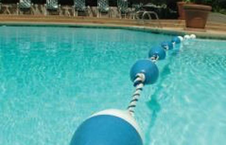 Renaissance Dallas Addison - Pool - 4