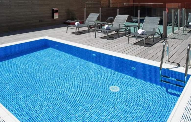 Catalonia Sagrada Familia - Pool - 14