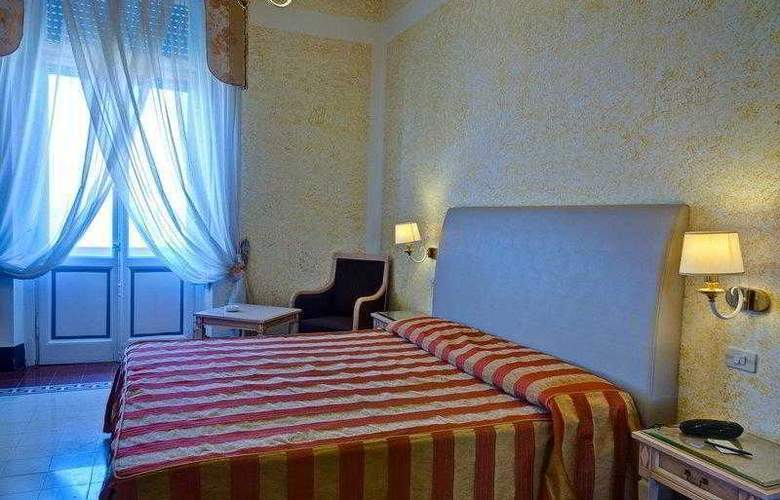Best Western Premier Collection Grand Royal - Room - 12
