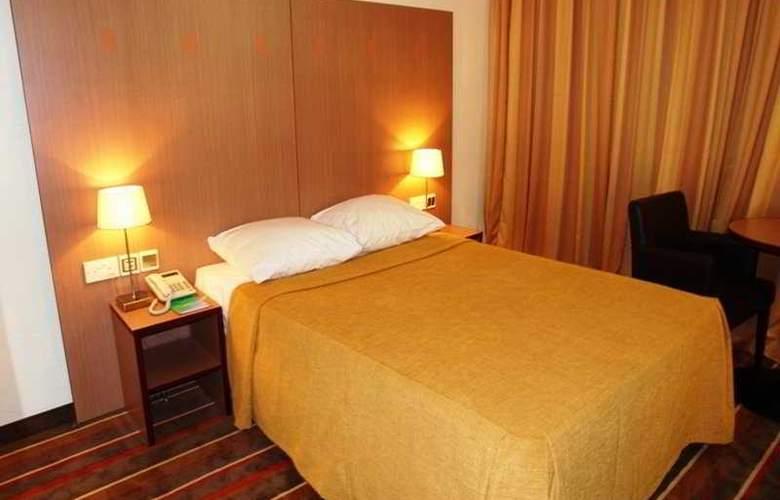 Alisa Hotel - Room - 2