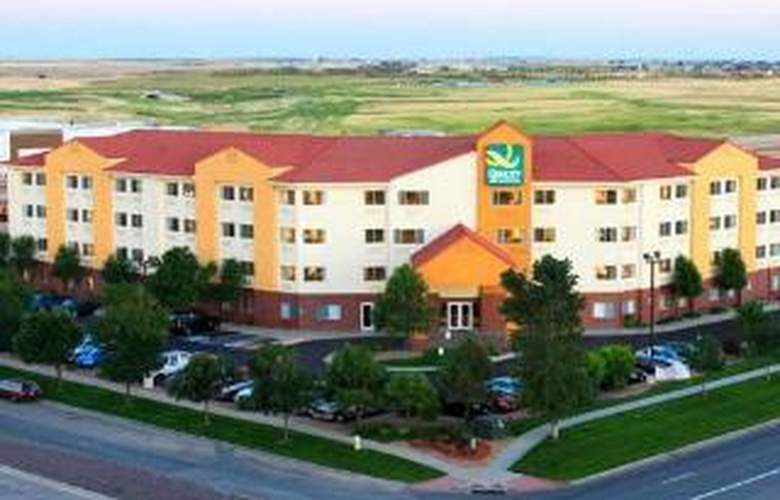 Quality Inn & Suites Denver International Airport - Hotel - 0