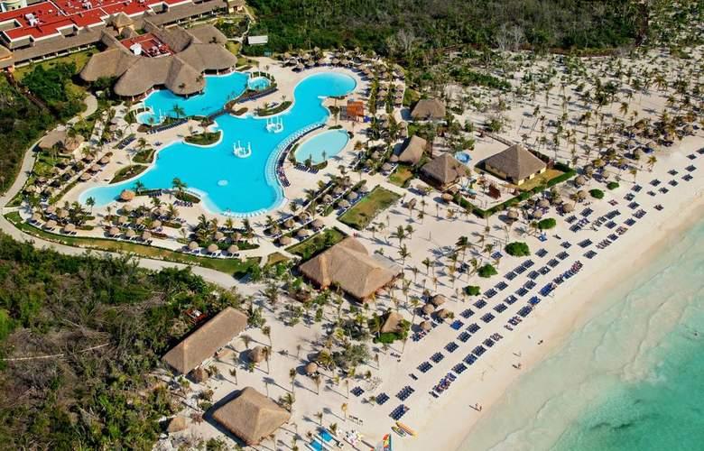 Grand Palladium Colonial & Kantenah Resort - Pool - 14