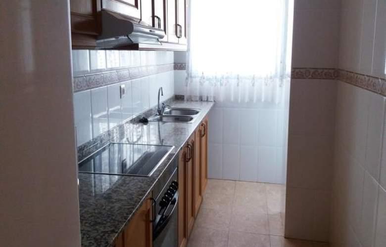Apartamentos Oropesa 3000 Sin Piscina - Room - 4