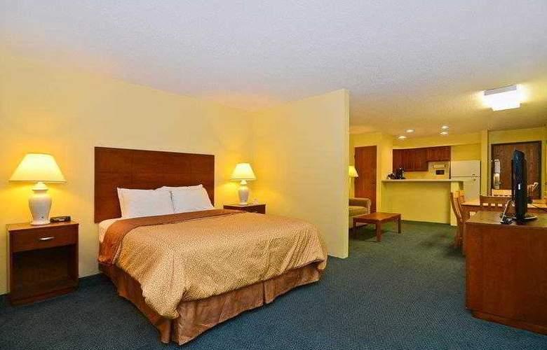 Best Western Ambassador Inn & Suites - Hotel - 43