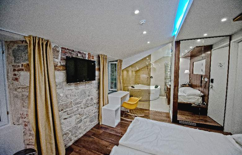 Jupiter Luxury Hotel - Room - 1