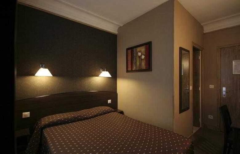Victor Masse - Room - 6